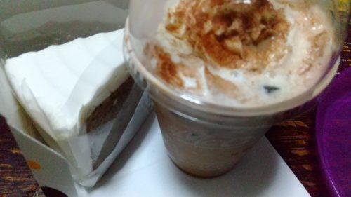 紅茶シフォンとカフェモカ